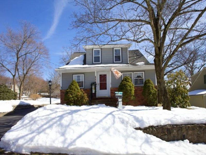 114 Chestnut St Midland Park NJ 07432
