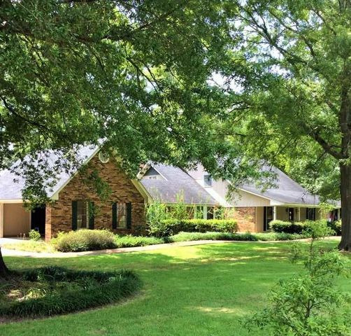 112 Pine Hill Dr, Forest, MS 39074