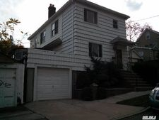 12118 9th Ave, College Point, NY 11356