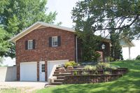 867 Town Creek Rd, Murphysboro, IL 62966