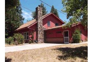 1302 W Scenic Dr, Mt Shasta, CA 96067