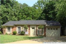 781 Plymouth Dr, Hernando, MS 38632