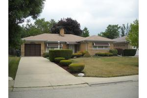 6944 N Keating Ave, Lincolnwood, IL 60712