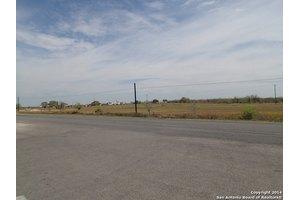 8950 N US Highway 281, Pleasanton, TX 78064