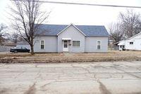910 Jefferson Ave, Johnston City, IL 62951