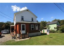 383 Moween Rd, Loyalhanna, PA 15681
