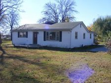 806 S Court St, Bowling Green, MO 63334