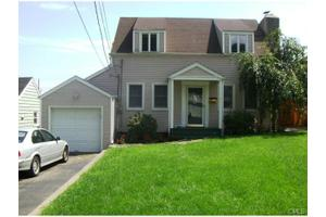 24 Vollmer Ave, Norwalk, CT 06851