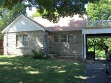 200 N Sterling Ave, Sugar Creek, MO 64054