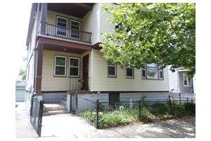 106 Bloomingdale St, Chelsea, MA 02150