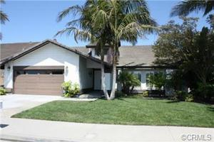 17542 Rainglen Ln, Huntington Beach, CA 92649
