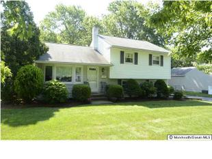 25 Millbrook Dr, Middletown, NJ
