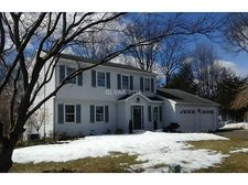 70 Heritage Dr, Cheshire, CT 06410