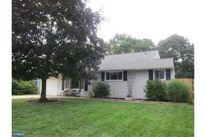 488 Gibson Ave, Warminster, PA 18974