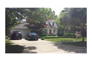 1431 Fairway Dr, Birmingham, MI 48009