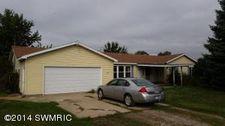 380 Potter Rd, Quincy, MI 49082