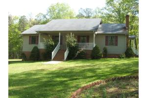 9889 Craftons Gate Hwy, Drakes Branch, VA 23937