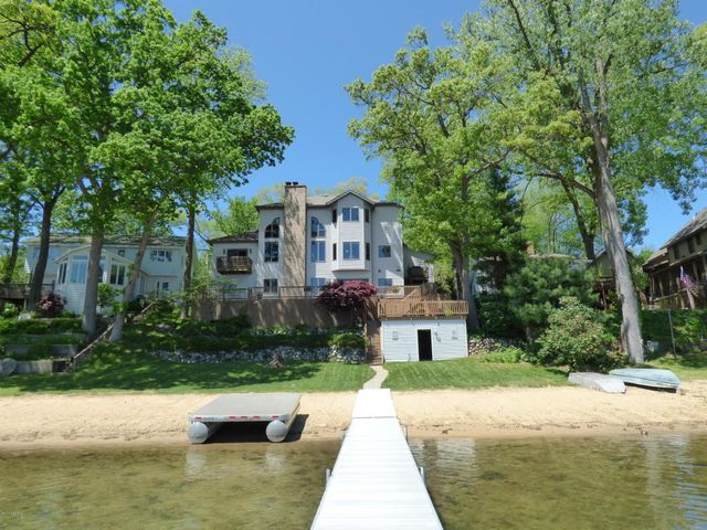 Homes For Sale Sister Lakes Mi