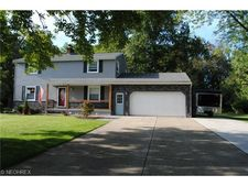 1350 Waverly Dr Nw, Warren, OH 44483
