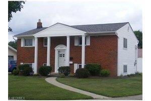 16250 Richard Dr, Brook Park, OH 44142
