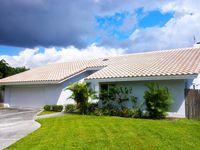 215 NW 45th St, Boca Raton, FL 33431