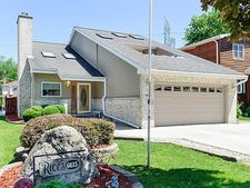 6615 Conrad Ave, Hodgkins, IL 60525