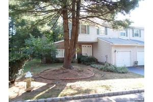 7 Heritage Manor Dr, Wayne, NJ 07470