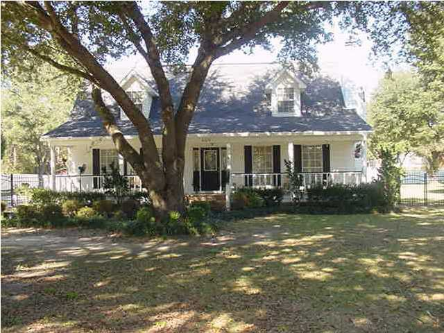 Foreclosure Home For Sale - 10007 Bradley Rd Creola, AL 36525