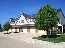 25841 Eastridge Ct, Chesterfield Township, MI 48051