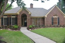 4302 Moonlight Shadow Ct, Pasadena, TX 77059