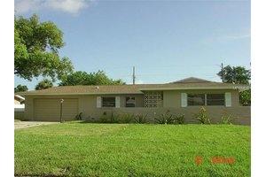 13819 Martinique Dr, Seminole, FL 33776
