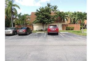 5240 Cedarbend Dr Apt 2, Fort Myers, FL 33919