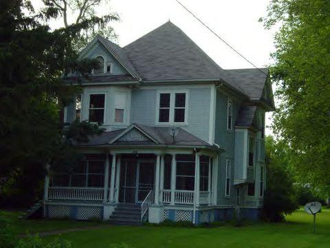 102 W Lockhart St, Niantic, IL 62551