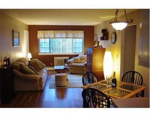 549 Russell Rd Apt 2 A, Westfield, MA 01085
