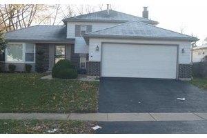 17713 Pebblewood Ln, Hazel Crest, IL 60429