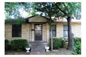 1336 Flanders St, Dallas, TX 75208