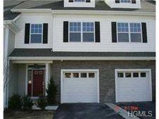 13 Country Club Dr, Middletown, NY 10940