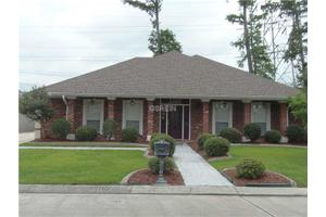 3305 Abbotswood Dr, Harvey, LA 70058