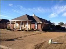 9859 Crooked Creek Blvd, Byram, MS 39272