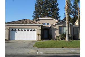 5692 W Beechwood Ave, Fresno, CA 93722