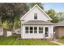 224 10th Ave S, South St Paul, MN 55075