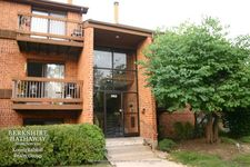 1903 Country Dr Apt 301, Grayslake, IL 60030