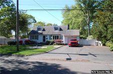 364 Howells Rd, Bay Shore, NY 11706