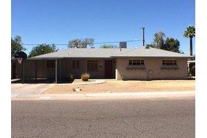 2210 W Cheery Lynn Rd, Phoenix, AZ 85015