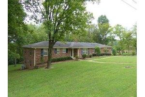 303 Cunniff Pkwy, Goodlettsville, TN 37072