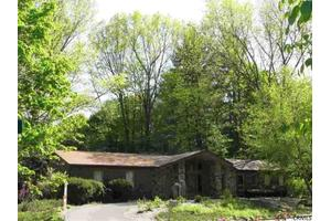 6 Gatewood Dr, Saratoga Springs, NY 12866