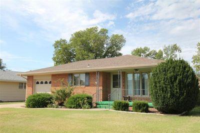 1507 Holmes Rd, Hays, KS