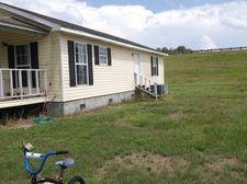 7007 Tomessie Cir, Grand Ridge, FL 32442