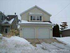 22501 Milner St, Saint Clair Shores, MI 48081