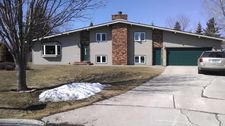 3322 Royal Cir, Grand Forks, ND 58201